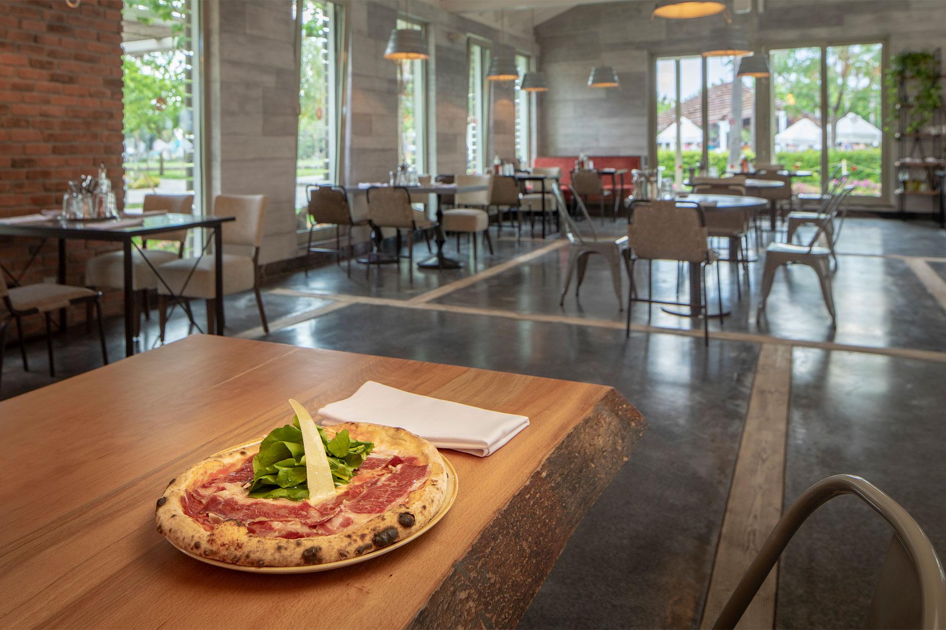 Pizzeria Di Laura À La Carte Restaurant